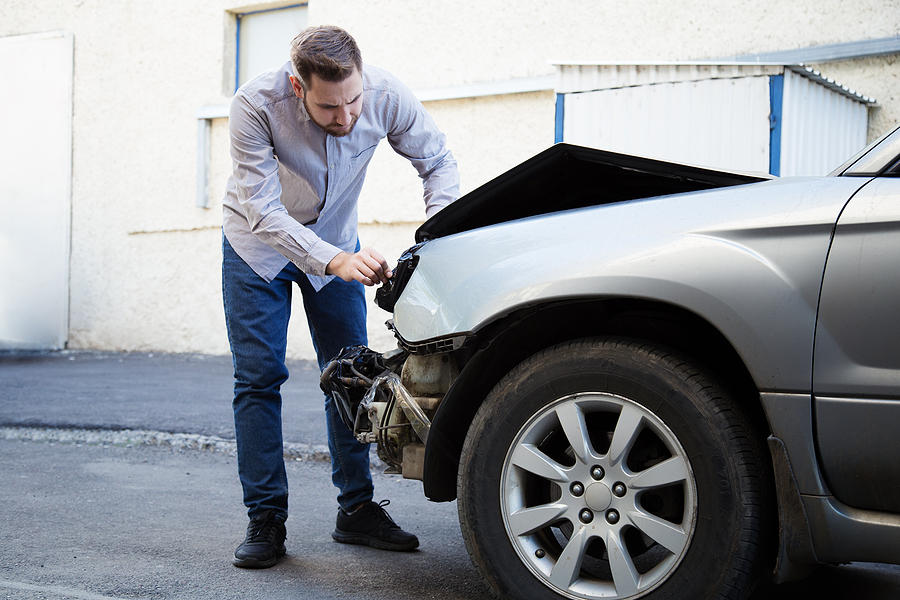 A few common conditions needing smash repair Lewisham services